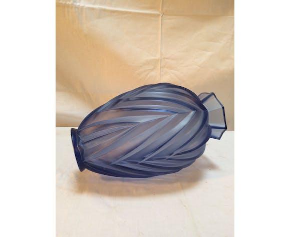 Vase Sabino France art déco en verre moulé motifs flêches, chevrons