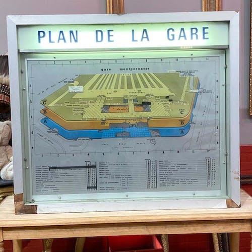 Cadre d'information Gare Montparnasse