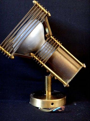 Applique spot lampe design Lucien Gau laiton doré 1980