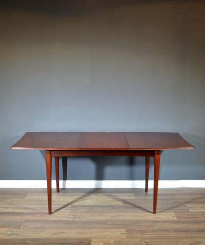 Table Richard Hornby pour Heal's Extending Afromosia