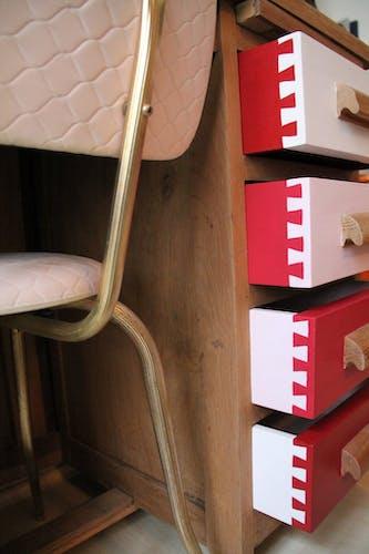 Bureau pour enfant en chêne des années 60 et sa chaise