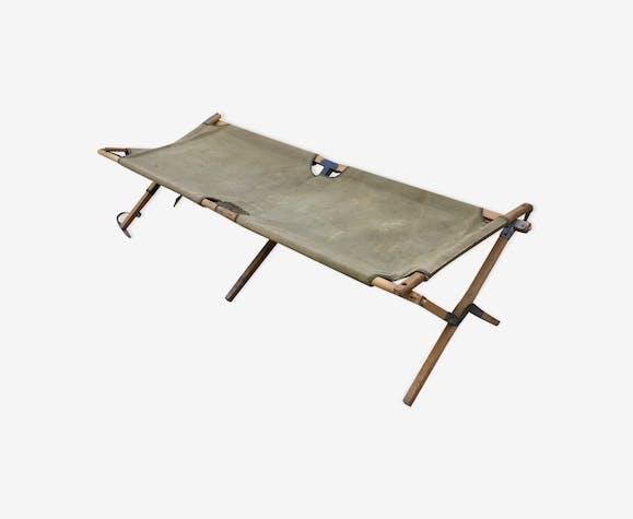 lit de camp militaire de la 2nde guerre mondiale bois. Black Bedroom Furniture Sets. Home Design Ideas