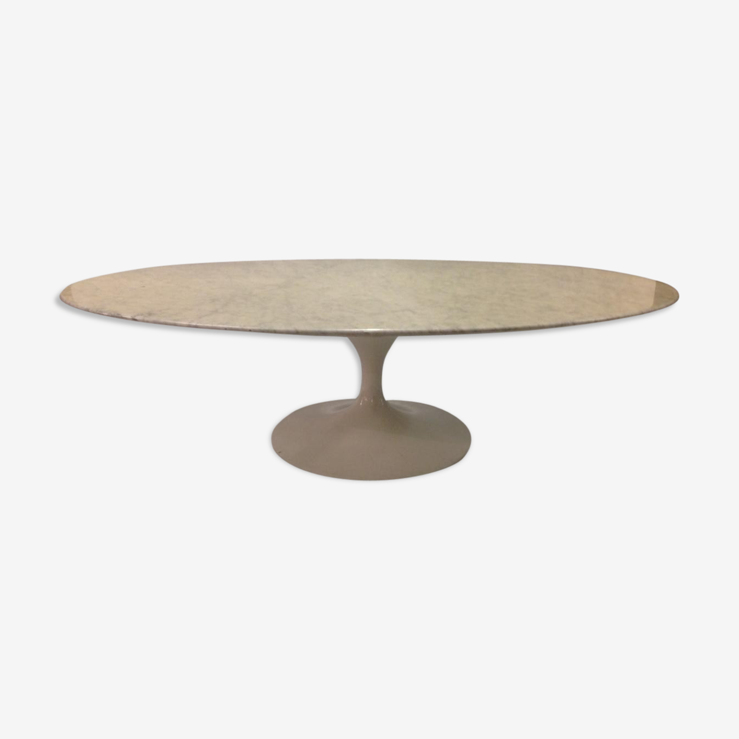 Table basse ovale Eero Saarinen Knoll