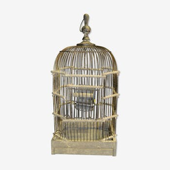 Cage of iron and patinated wood