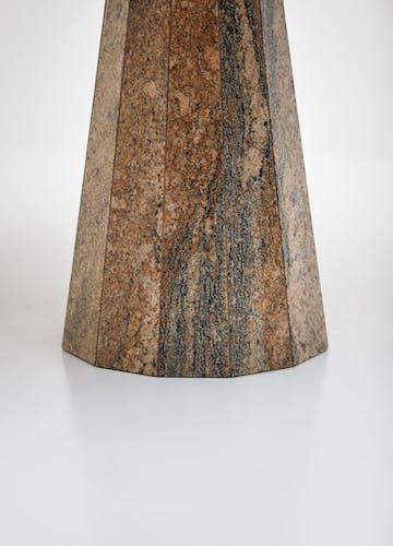 Table ronde en granit des années 1970