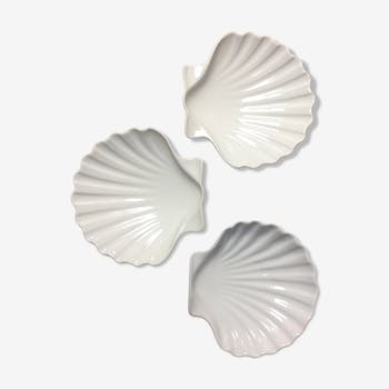 Three cups scallops in porcelain