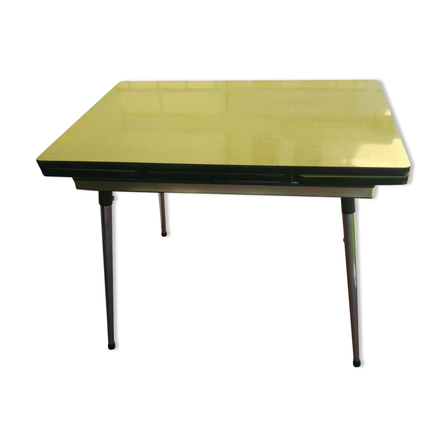 table de cuisine formica excellent with table de cuisine formica beautiful table formica jaune. Black Bedroom Furniture Sets. Home Design Ideas