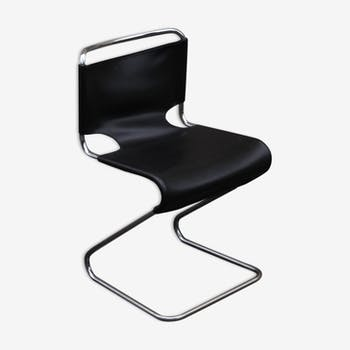 Biscia chair by Olivier Mourgue
