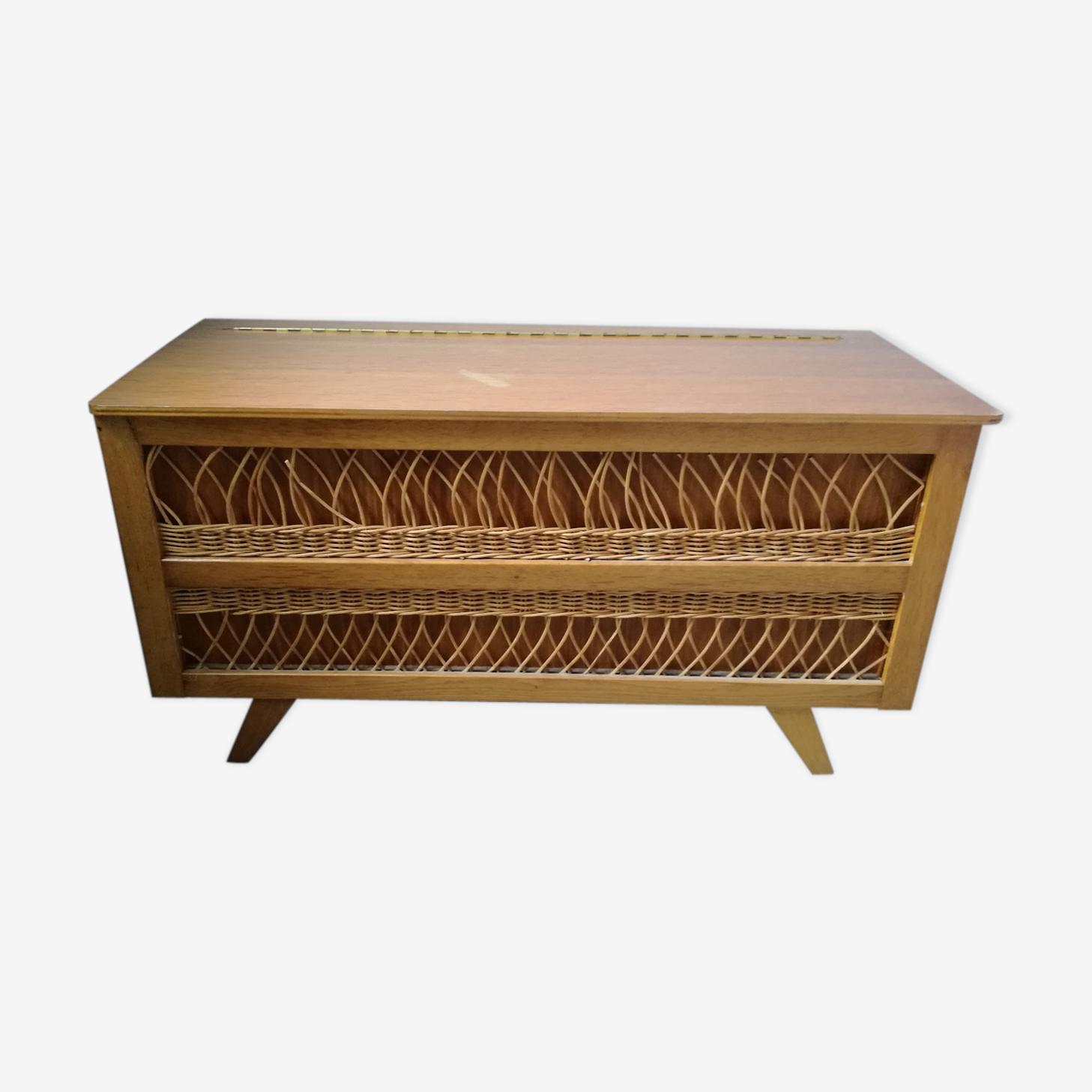 Year 70 rattan toy box