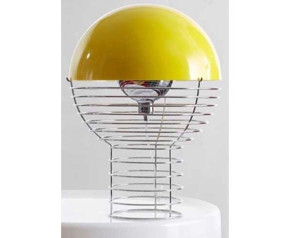 Lampe par Verner Panton produit par Frandsen Lighting, conçu en 1972