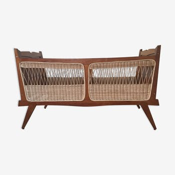 Bed vintage wooden and wicker