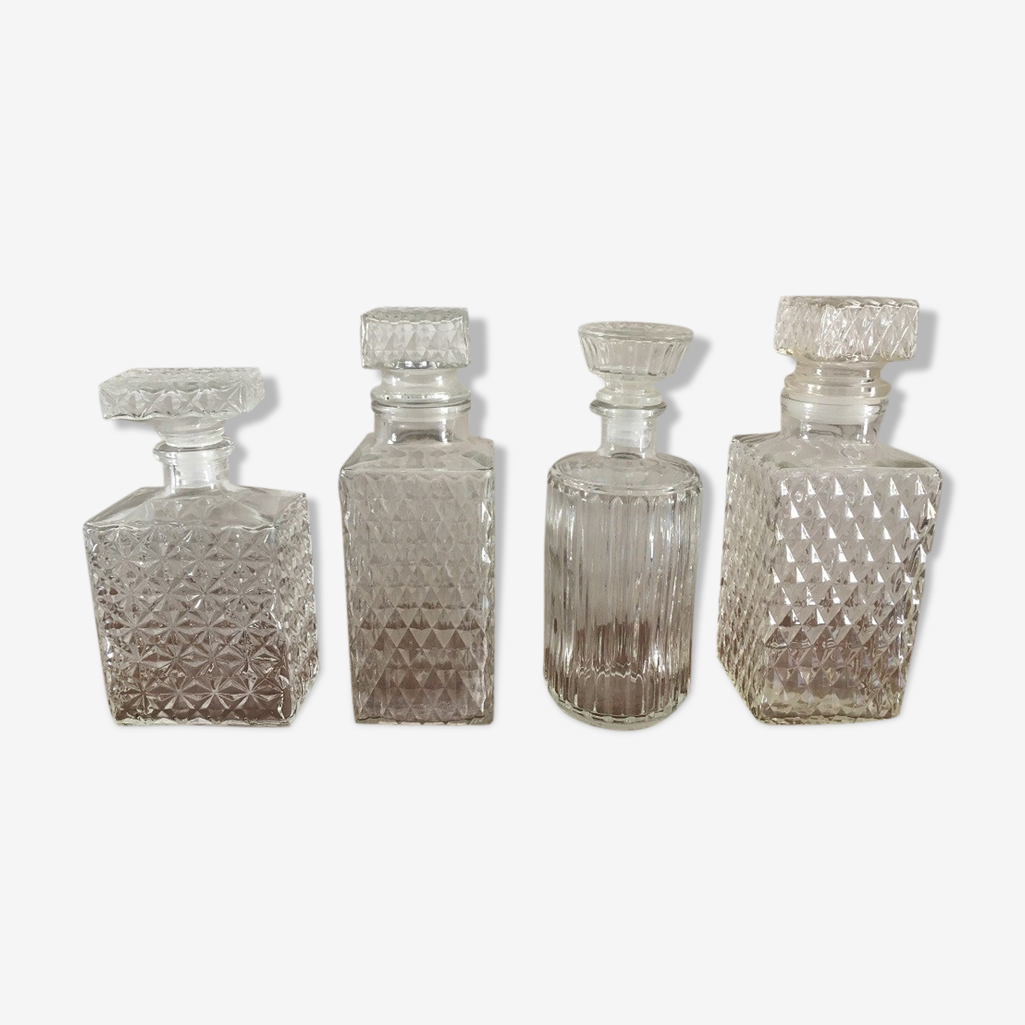 Suite 4 carafes for whiskey