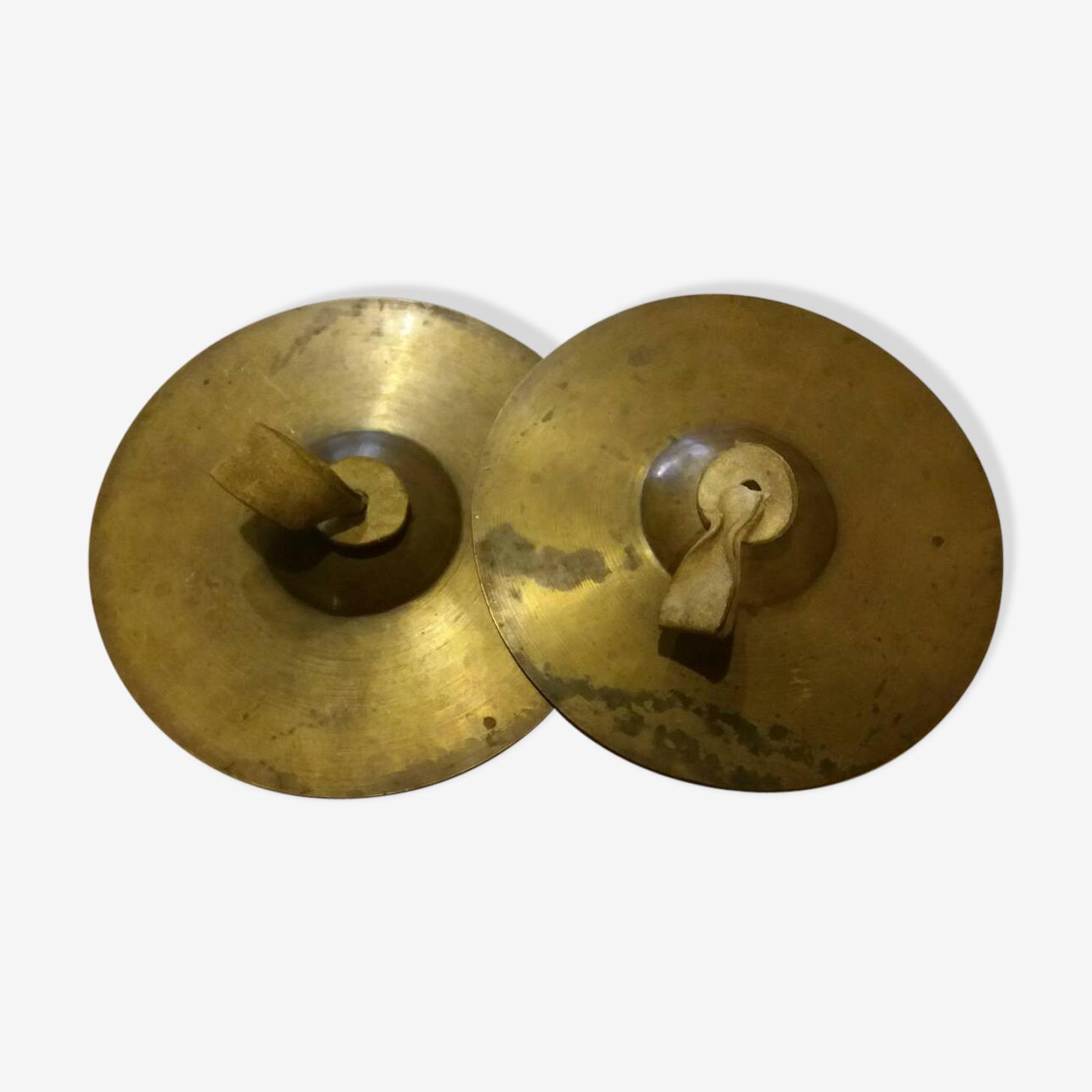 Paire de cymbales en laiton