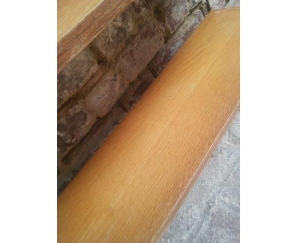 Étagère string en métal  Tomado Holland tablettes en bois de hêtre