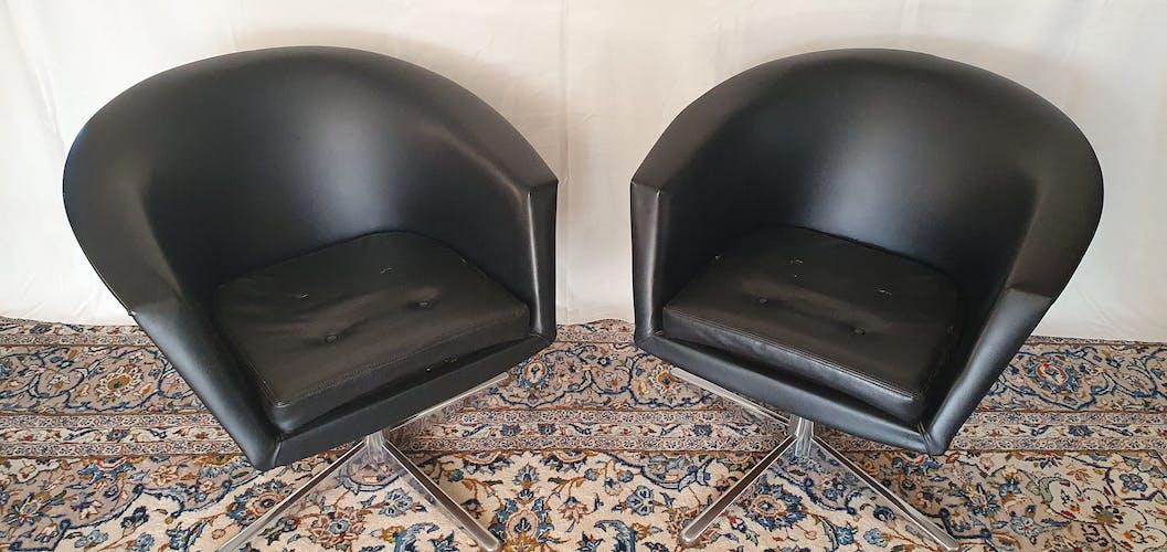 Fauteuils vintages pivotants en skaï noir 1960