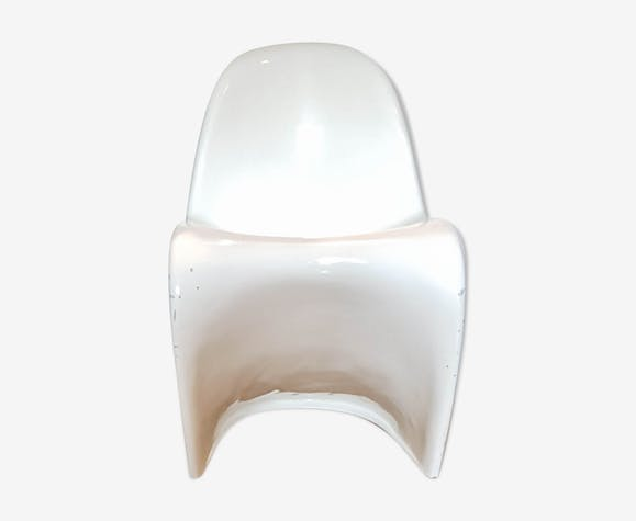 White chair by Verner Panton Vitra edition