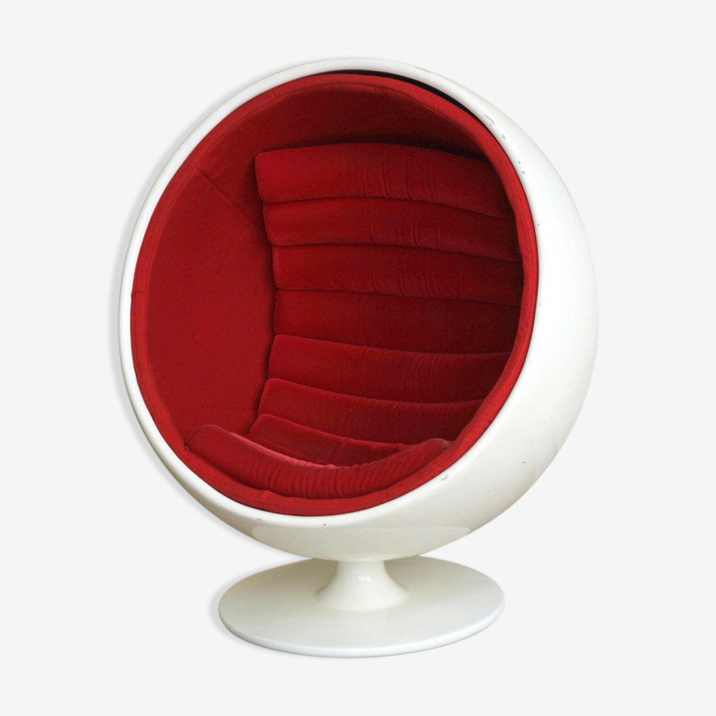 Armchair 70s globe
