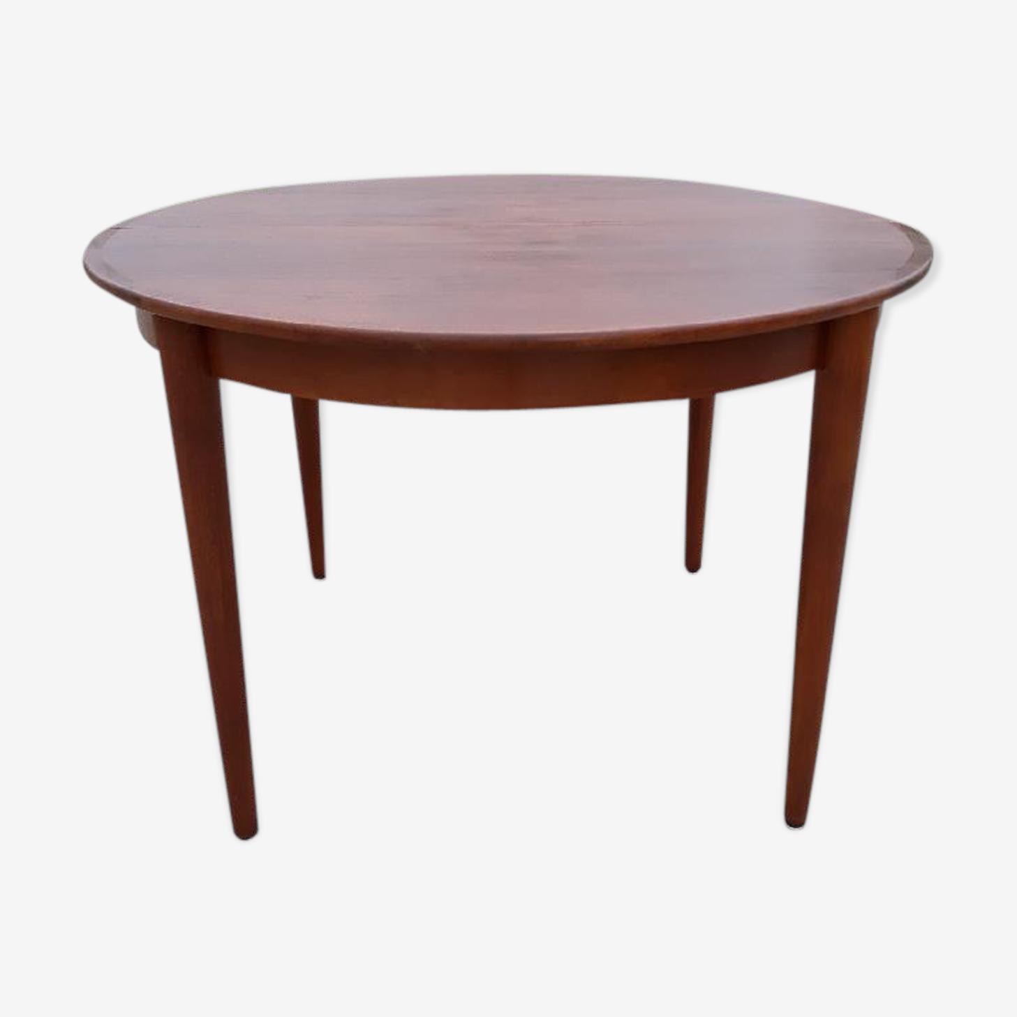 Samcom teak circular table