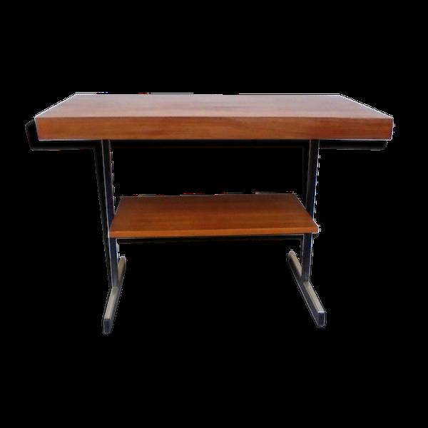 Table basse en métal et bois