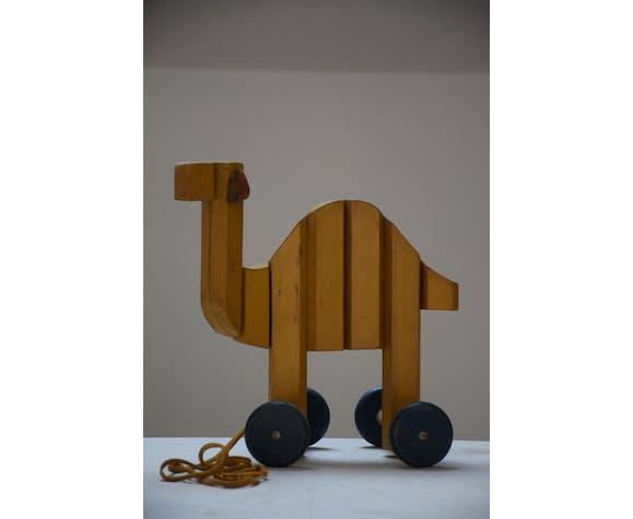 Chien et dromadaire en bois à roulettes pour enfant