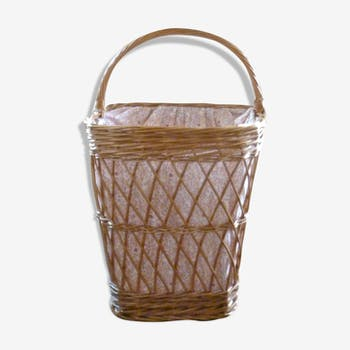 Basket rattan woven and fabric flowers