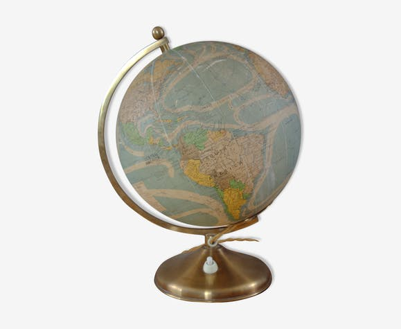 Perrina globe with internal lighting. 1946-1947.