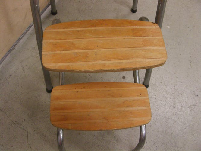 Stool step in vintage formica