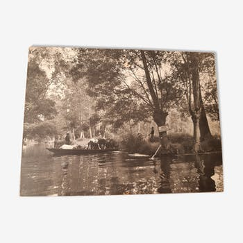 Photo 39cm x 29cm of Pierre Robreau series Marais Poitevin: the herd in a boat