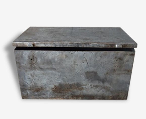 malle coffre ancien en metal lourd acier bross vernis loft atelier rangement m tal gris. Black Bedroom Furniture Sets. Home Design Ideas
