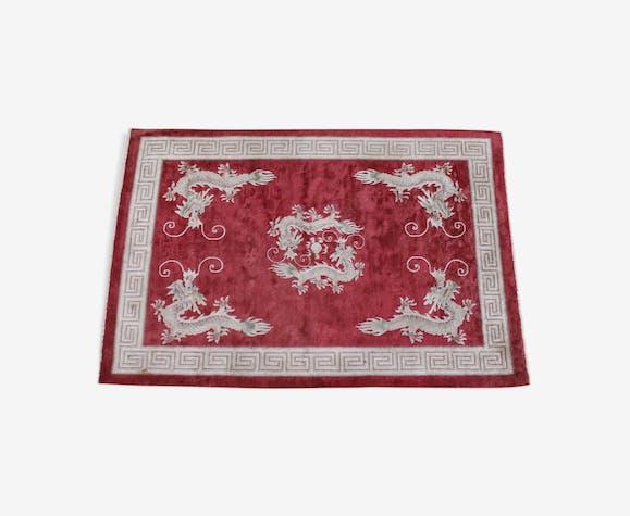 Tapis chinois à franges avec motif dragon sur fond rouge 180x122cm