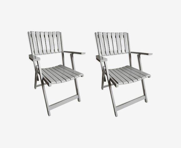 Paire de fauteuils pliants en bois blanc