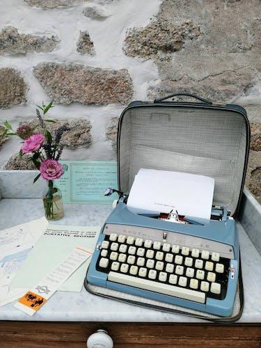 Brother de luxe typewriter works