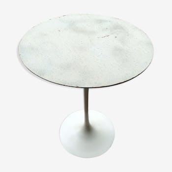 Coffee table by Eero Saarinen for Knoll International