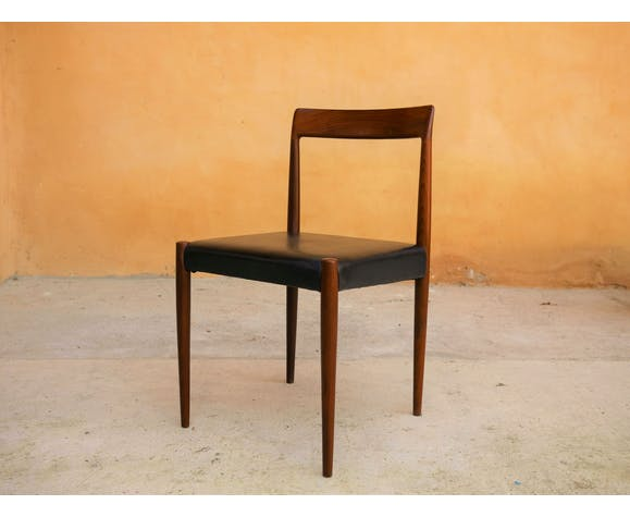 Series of 3 chairs and a vintage teak stool by the editions of The Bke