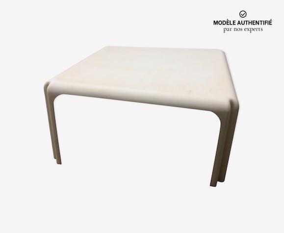Table arcadia par Magistretti Vico pour Artemide 1980