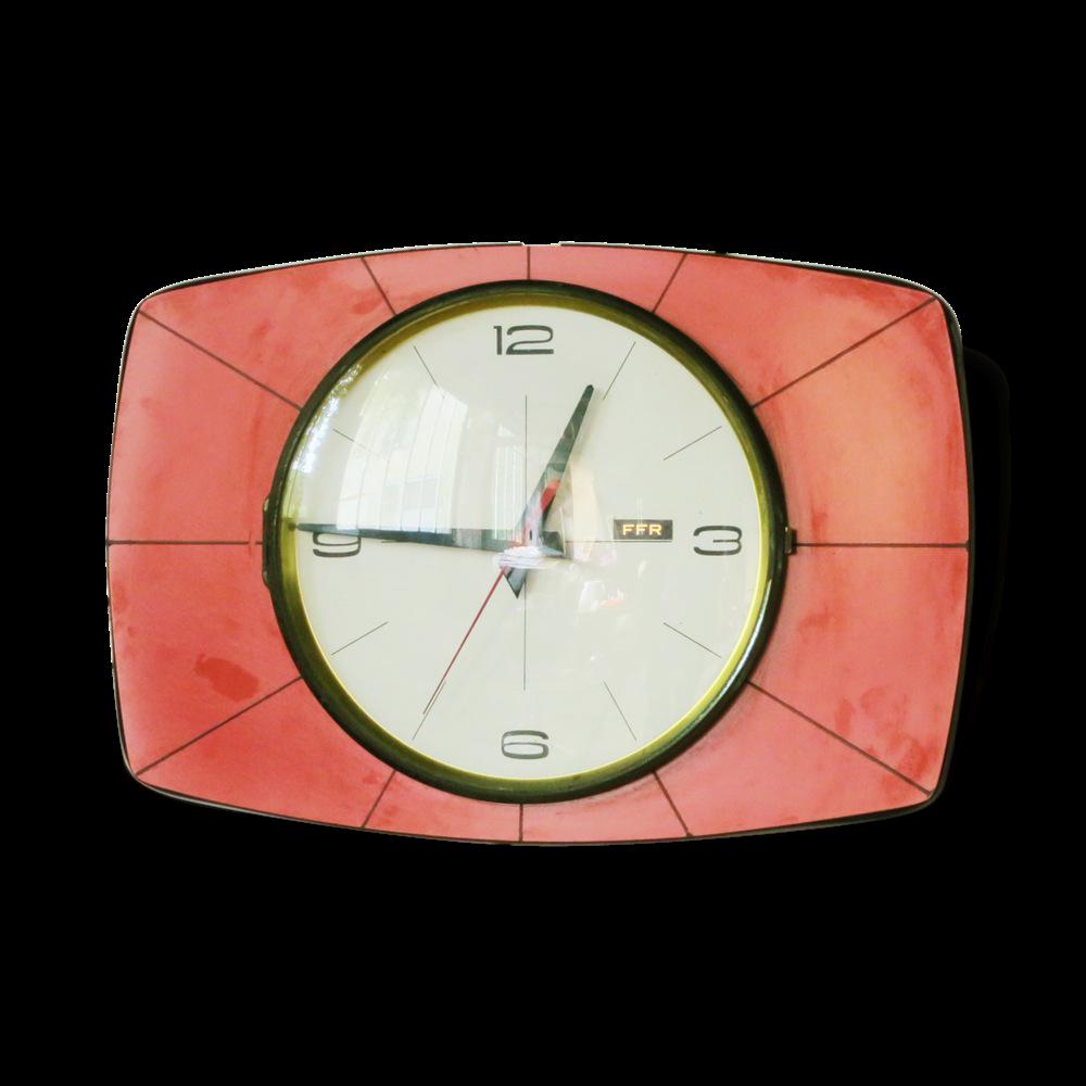 horloge rouge cuisine cuisine horloge cuisine rouge avec marron couleur horloge cuisine rouge. Black Bedroom Furniture Sets. Home Design Ideas