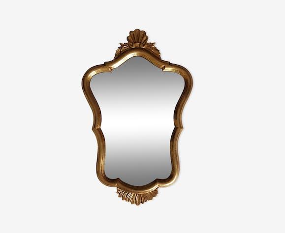 Miroir coquille et feuillage en bois doré 70 x 43cm