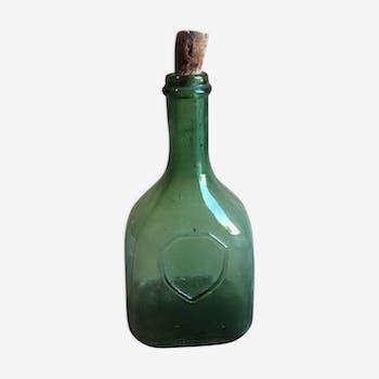 Bouteille en verre très ancienne
