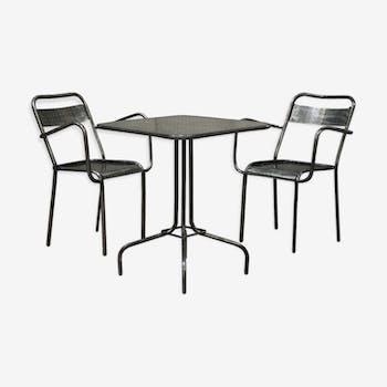 Ensemble table et deux chaises