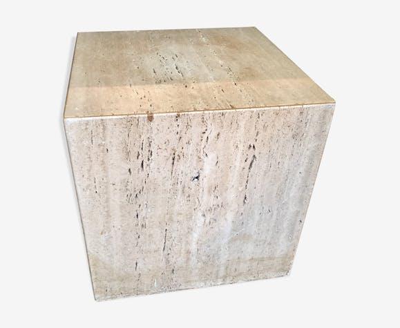 Cube en travertin