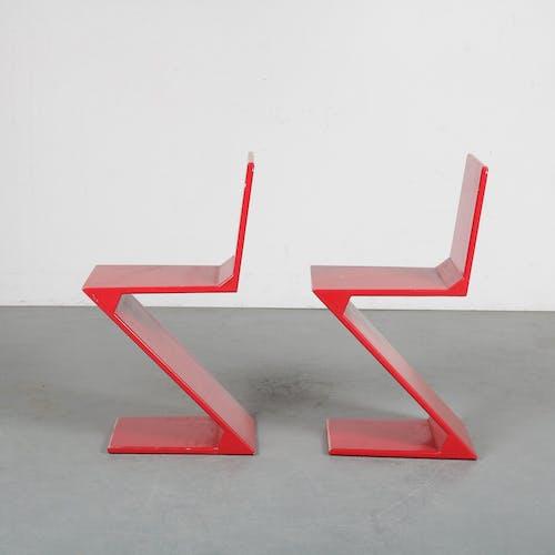 Paire de chaises en zigzag fabriquées aux Pays-Bas, 1970