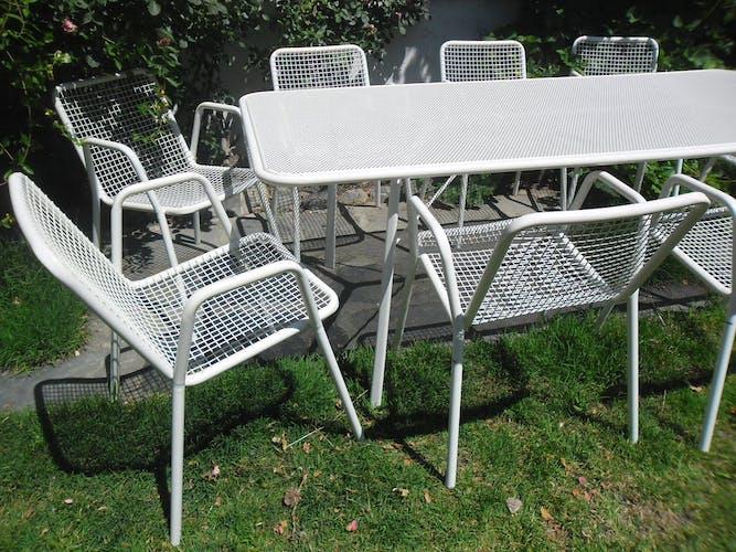 Table and armchair model Rio de Emu