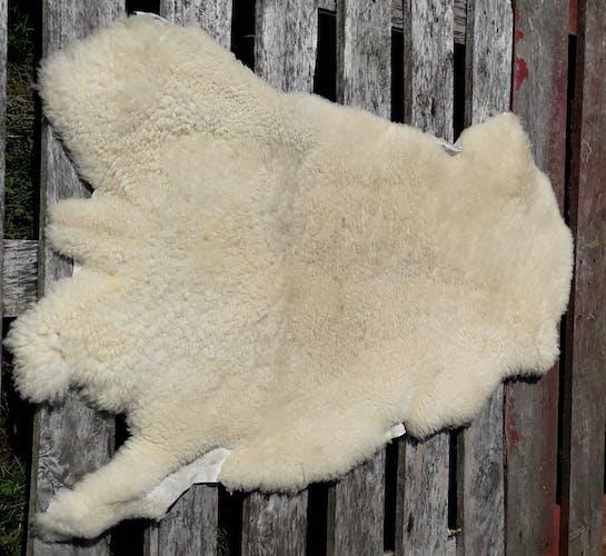 Sheepskin 100 x 56 cm