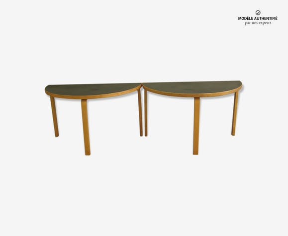 Paire de table demi lune de Alvar aalto de Artek - wood - wooden ...