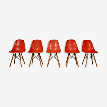 DSW chairs by Charles & Ray Eames for Herman Miller, 1970