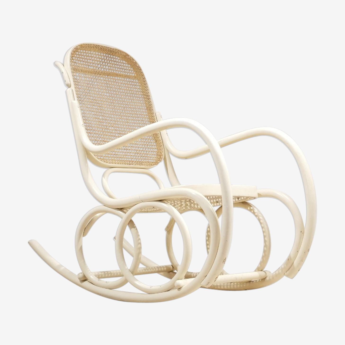 Ancien rocking chair en bois courbé blanc