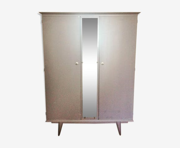 Compass foot cabinet