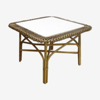 Table basse rotin forme soleil carré