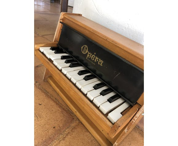 Piano ancien Opéra pour enfant