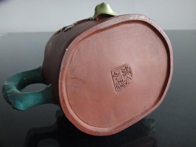 Ancienne théière en grés de Yixing Chine émaillé début XXème marques